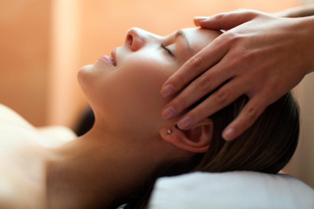 Les soins apportés par les différentes technique du massage Tui Na ou massage chinois font partis des piliers de la Médecine traditionnelle chinoise.